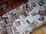 Koleksi Kaset yang masih berhamburan